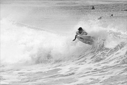 Manly_Beach_Surfing_Black_and_White_Photos_040.jpg
