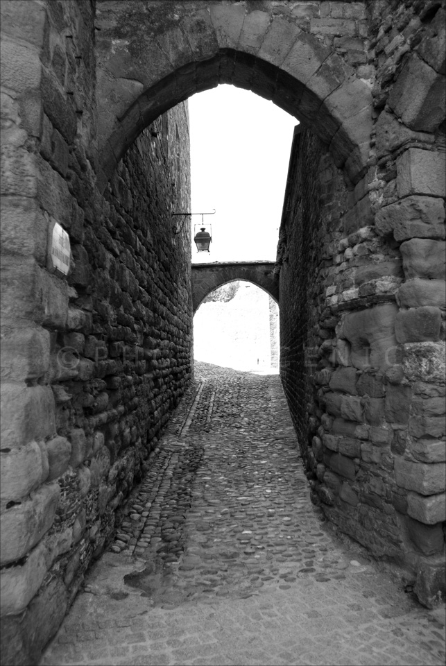 Carcassone_Black_and_White_Photos_010.jpg