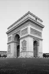 Arc_De_Triomphe_Black_and_White_Photo_003.jpg