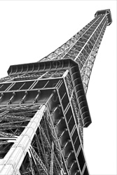 Paris_Tour_Eiffel_Black_and_White_Photo_001.jpg