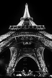 Paris_Tour_Eiffel_Black_and_White_Photo_011.jpg