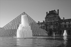 Paris_Le_Louvre_black_and_white_photos_003.jpg