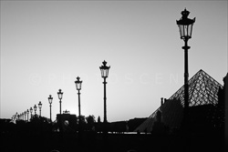 Paris_Le_Louvre_black_and_white_photos_009.jpg