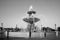Paris_Place_De_La_Concorde_Black_and_White_Photo_002.jpg