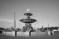 Paris_Place_De_La_Concorde_Black_and_White_Photo_003.jpg