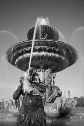 Paris_Place_De_La_Concorde_Black_and_White_Photo_005.jpg