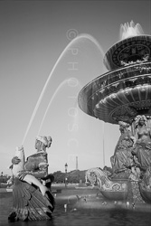 Paris_Place_De_La_Concorde_Black_and_White_Photo_007.jpg