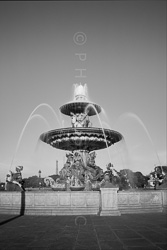 Paris_Place_De_La_Concorde_Black_and_White_Photo_008.jpg