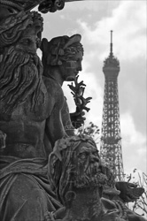 Paris_Place_De_La_Concorde_Black_and_White_Photo_015.jpg