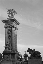 Paris_Statues_and_Sculptures_Black_and_White_Photos_002.jpg