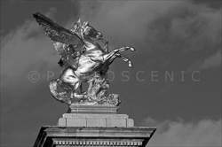Paris_Statues_and_Sculptures_Black_and_White_Photos_004.jpg