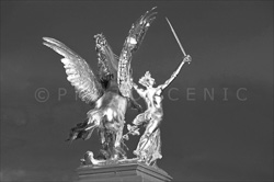 Paris_Statues_and_Sculptures_Black_and_White_Photos_005.jpg