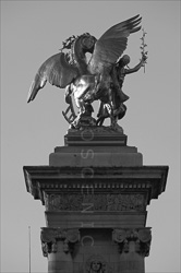 Paris_Statues_and_Sculptures_Black_and_White_Photos_009.jpg