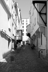 Paris_Streets_and_Buildings_Black_and_White_Photo_014.jpg