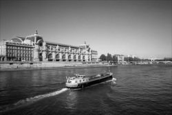Paris_The_Seine_River_Black_and_White_Photo_007.jpg