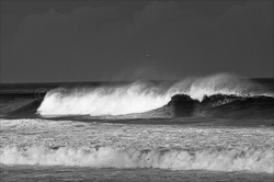 Manly_Beach_Surfing_Black_and_White_Photos_003.jpg
