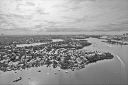 Sydney_from_helicopter_bw_014.jpg