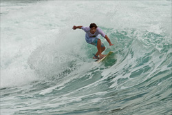 Manly_Beach_Surfing_Colour_Photos_014.jpg